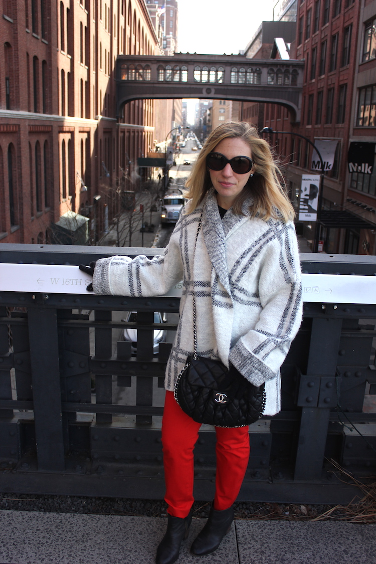 Allie wearing a Free People Sweater on the Highline in NYC